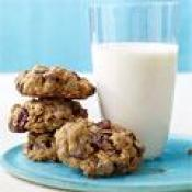 Chewy Chocolate-cherry Oatmeal Cookies